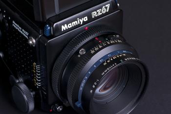 Ein hochpräzises Arbeitsinstrument, welches zusammen mit dem Digitalrückteil P30 äusserst scharfe Bilder mit neutralen Farbtönen erstellt.