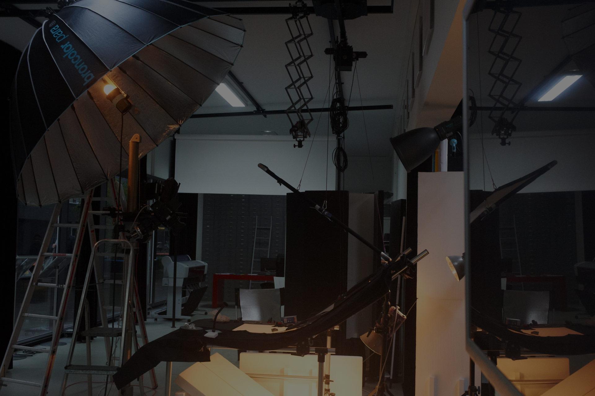 Das gemsamte Lichtset für die Produktion mit den unten aufgelisteten, benötigten Mietgegenständen